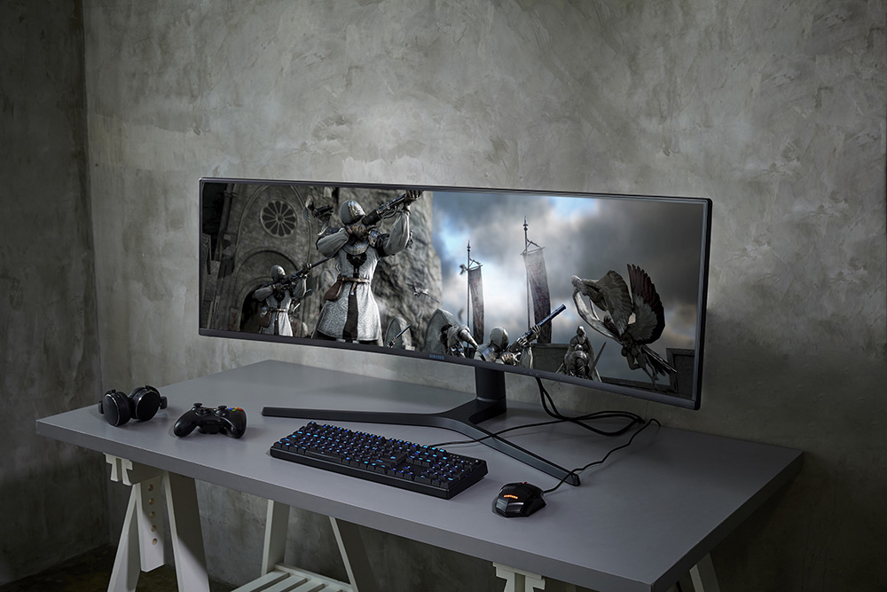 Samsung-CRG9-super-wide-monitor-3.jpg