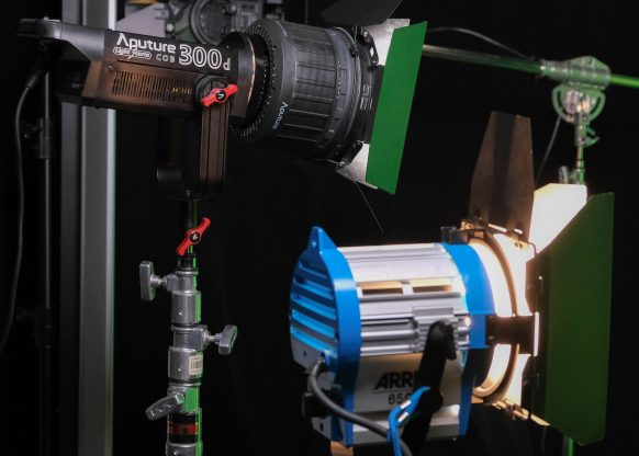 Fresnel-2X_Side-by-side-ARRI-650-wide-2-582x416.jpg