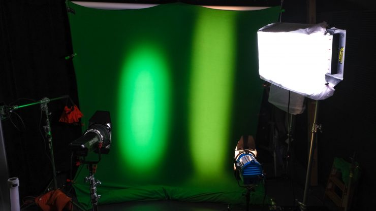 Fresnel-2X_Side-by-side-ARRI-650-wide-740x416.jpg